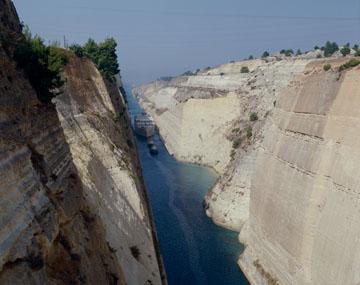 コリントス運河(ギリシャ) HP02329 コリントス運河(ギリシャ) ホーム 海の写真のボルボ