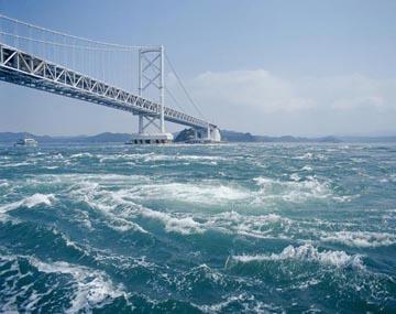 渦潮(鳴門海峡、鳴門大橋) HP02823 渦潮(鳴門海峡、鳴門大橋) ホーム 海の写真のボルボ